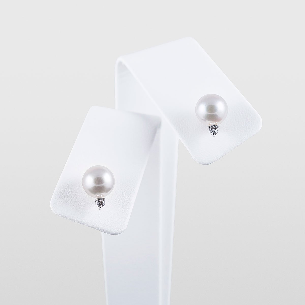 Japanese Akoya Stud Pearl Earrings with Diamonds