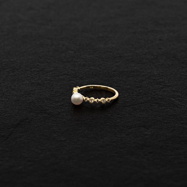 Japanese Akoya Pearl Ring 18K yellow gold